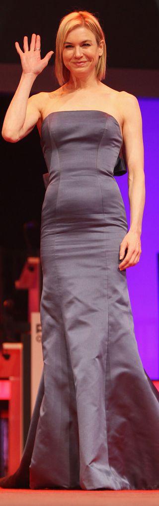 RENEE-ZELLWEGER-PREGNANT